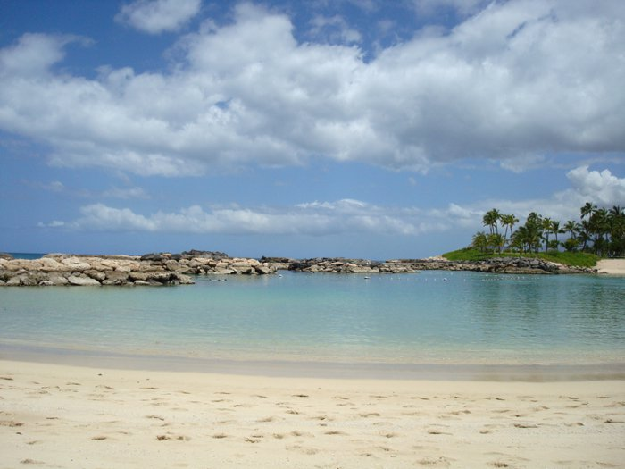 Ko'Olina Lagoons on Oahu, Hawaii by Laura Radniecki | 10 best things to do on Oahu Hawaii