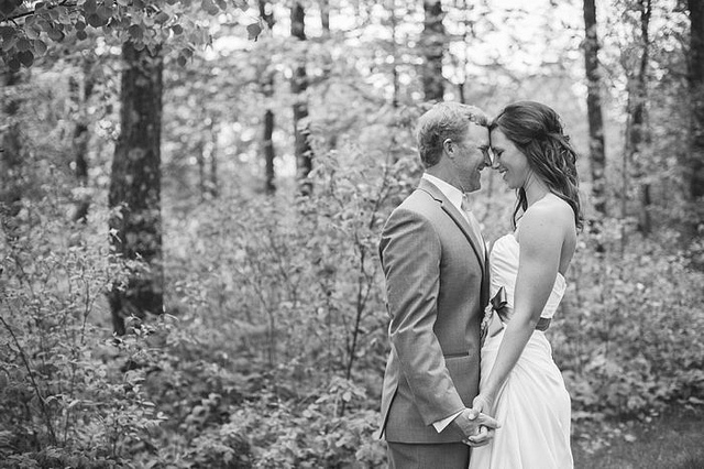 Happy 1 Year Anniversary, Lindsy + Chase | Craguns Legacy | Brainerd, MN Wedding