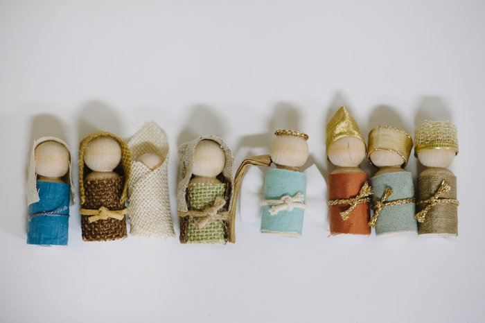 Rustic DIY Nativity Scene made with wooden peg people for kids