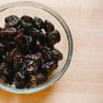 How to Make Prune Puree - Homemade Baby Food