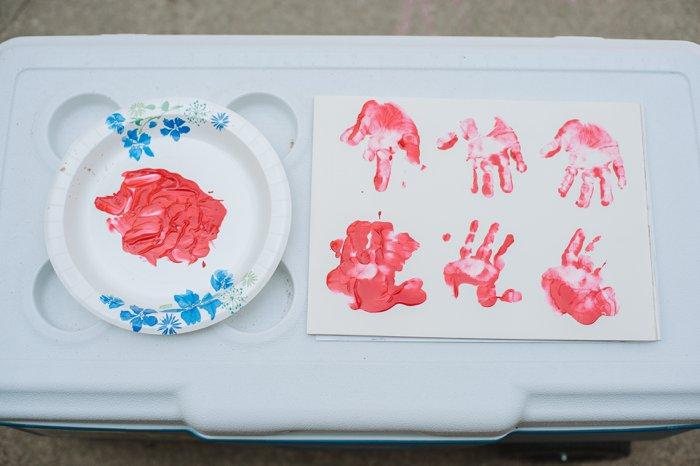 I APPLEsolutely Love You - Kids Handprint Art Idea! | Kids Art, Kids Crafts Ideas, Handprint Crafts, Kids Handprint Art Apple, Apple Handprint Art