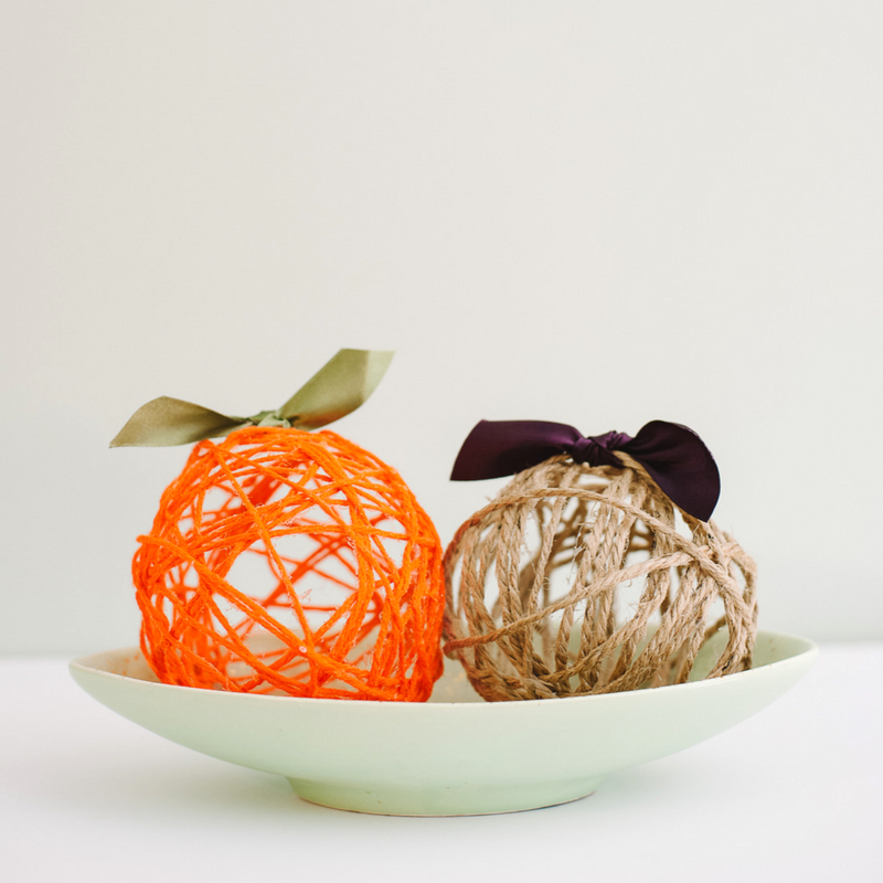 Fall DIY Yarn Ball Pumpkins | Halloween and Thanksgiving Decor