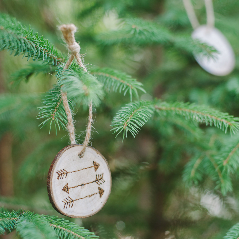 Wood Burned Christmas Ornaments on Wood Slices - DIY Ornaments