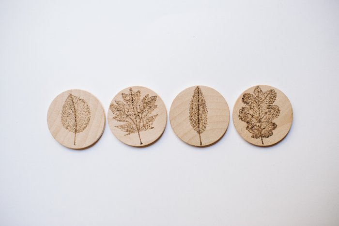 Wood Burned Leaf Magnets on Wood Slices | Wood Burned Leaf Magnets, Magnets with Leaves, Woodburning Gifts, Wood Burned Magnets, Woodburned Magnets