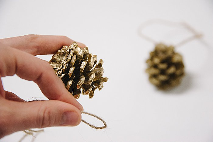 christmas ornaments with pinecones