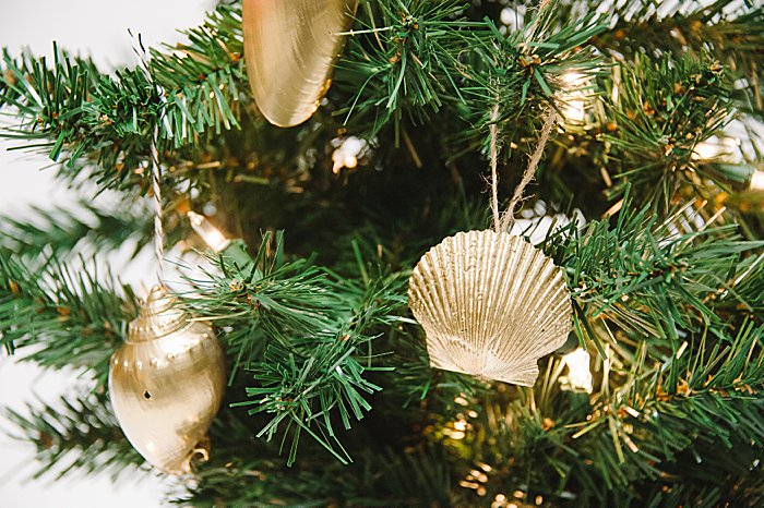 make your own christmas tree ornaments with beach shells
