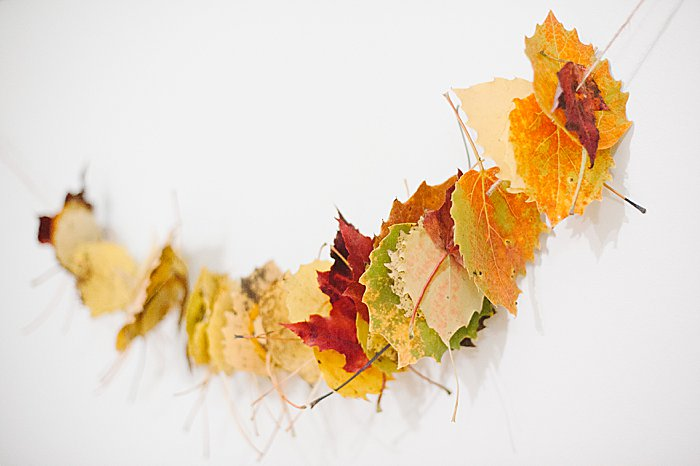 easy diy fall leaf garland for kids