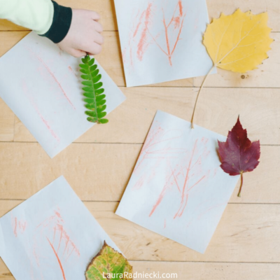 Easy Leaf Rubbing for Kids _ DIY Leaf Rubbing Craft