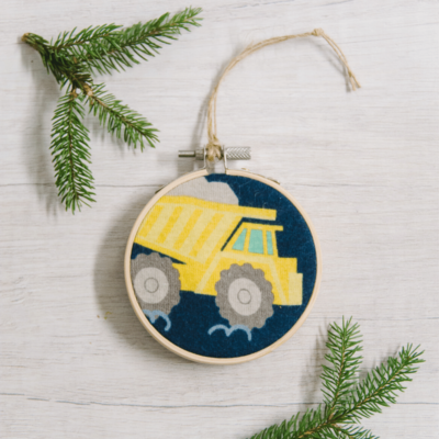 Day 14: How to Make a Keepsake Fabric Embroidery Hoop Ornament | The 30 Days of Ornaments Project