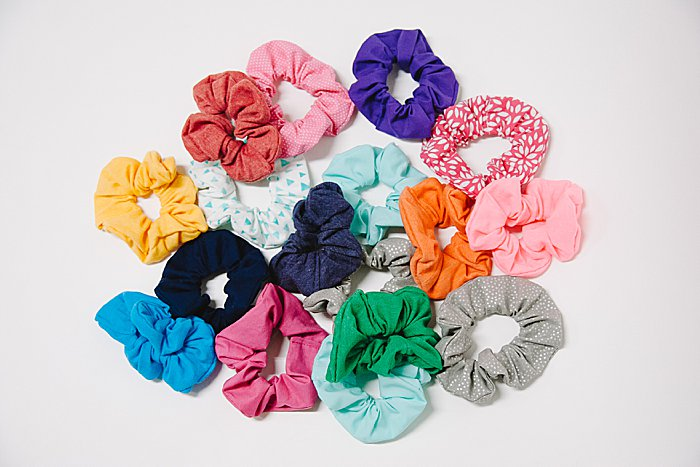 how to make diy scrunchies tutorial