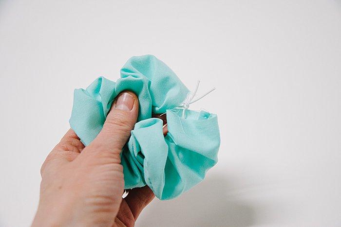 making a DIY scrunchie