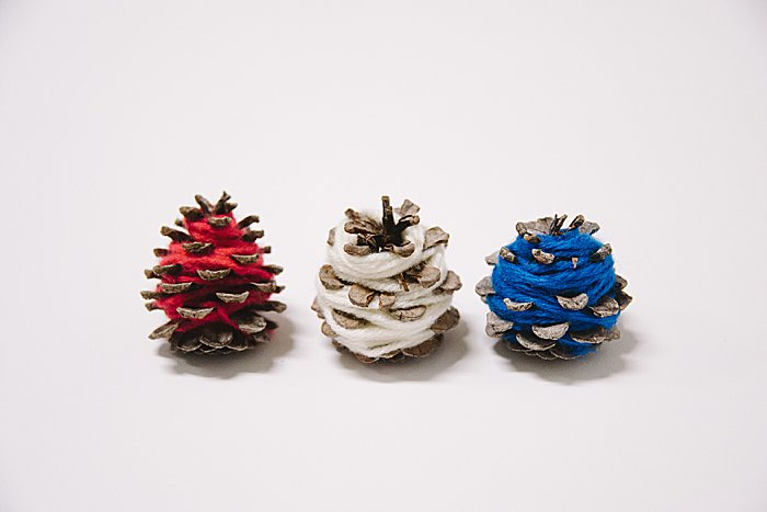 How to make DIY 4th of July Yarn-wrapped pine cones
