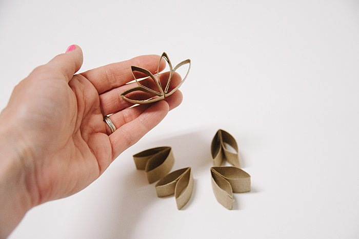 paper flowers made out of toilet paper tubes