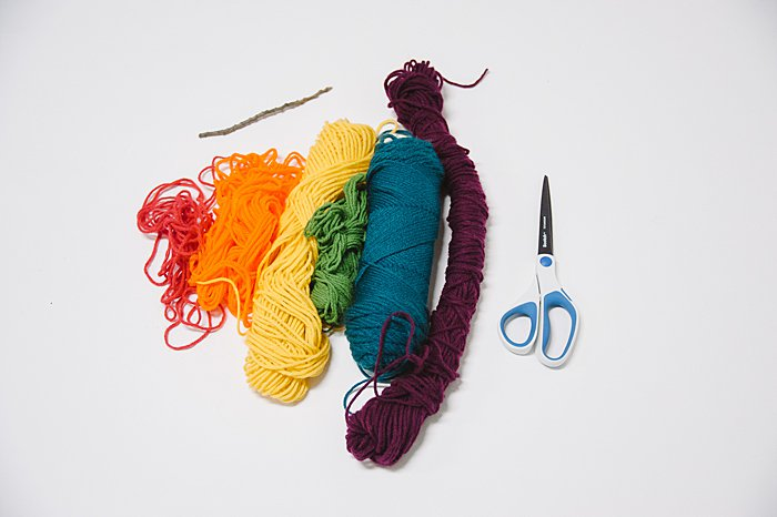 supplies needed to make a mini yarn wall hanging ornament