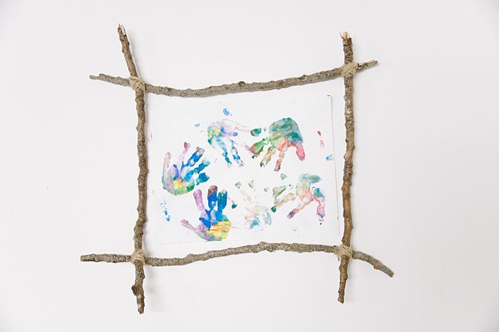 use diy picture frame to showcase kids artwork
