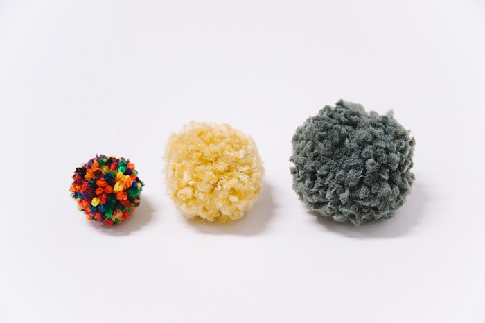 what is the best type of yarn to use to make diy pom poms