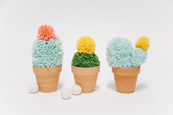 diy faux yarn cactus