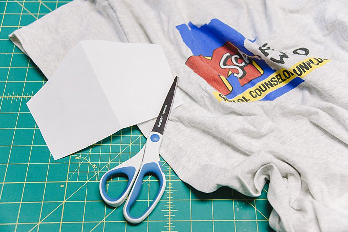 How to Make a DIY No Sew Face Mask from an Old T-Shirt