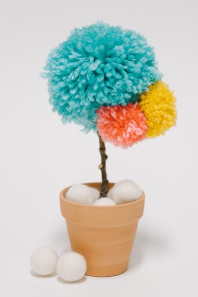 DIY Yarn Pom Pom Flower _ Faux Potted Flower Idea