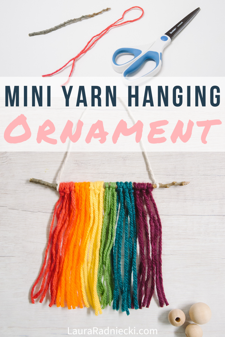 Mini DIY Yarn Wall Hanging Ornament _ Christmas Ornament Ideas