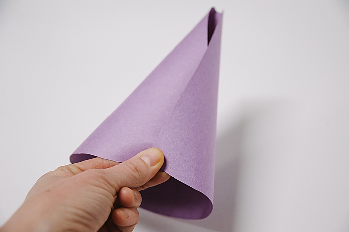 how to make a cone out of paper by rolling cone template into cone shape