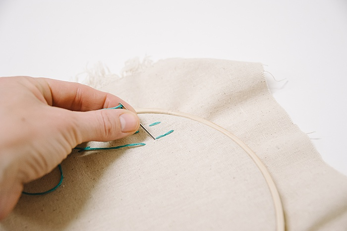 how to back stitch embroidery