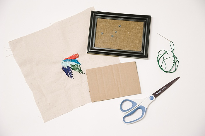 how to frame embroidery in a photo frame