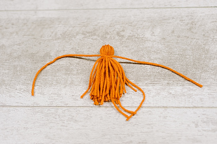 how to make a tassel out of yarn