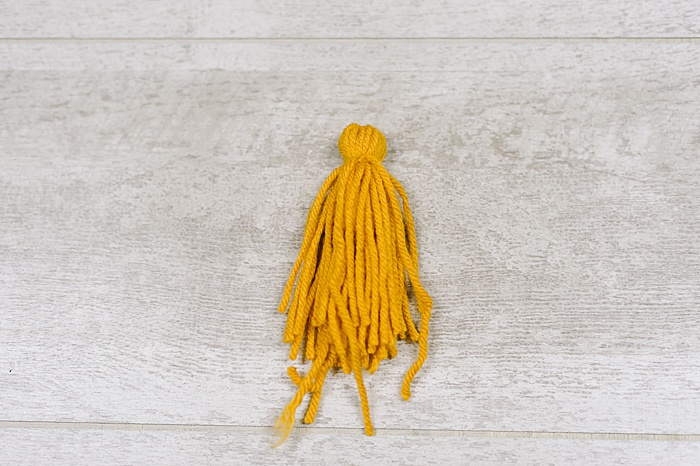 yarn tassel diy tutorial