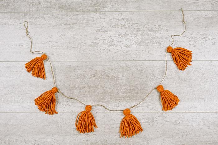 diy yarn tassel garland