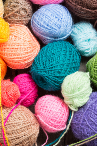 knitting vs crochet | what's the difference between crochet and knitting